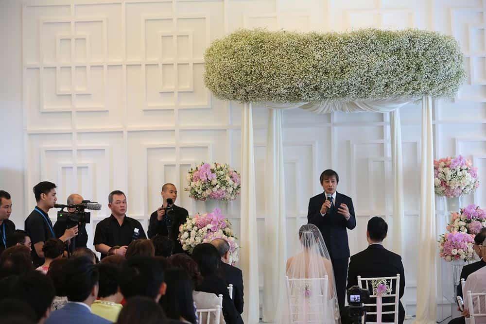prop, lamp, flower rental for wedding 3